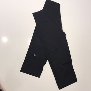 Lululemon Leggings - Ribbed Capri-Length Yoga Pant